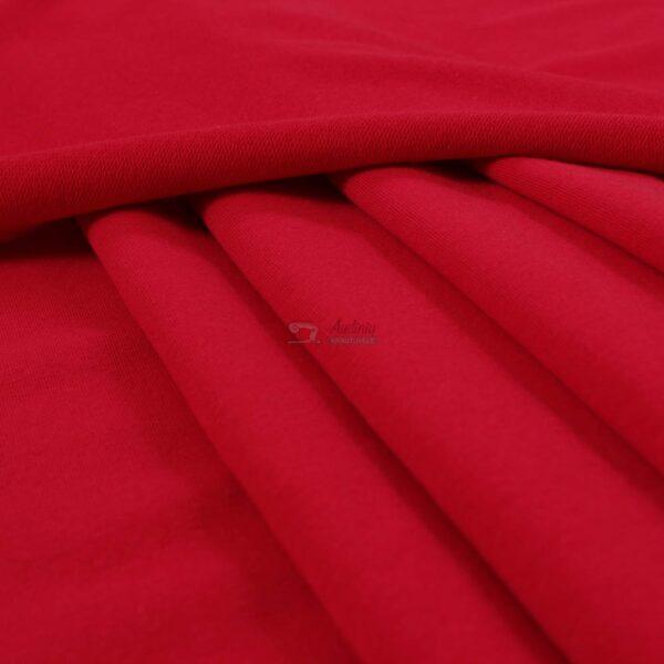 raudonas kilpinis trikotazas