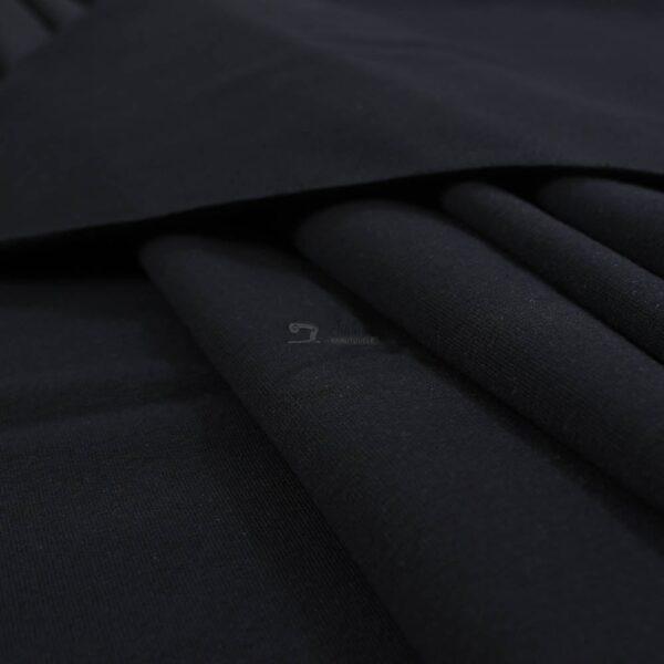 juodas kilpinis trikotazas
