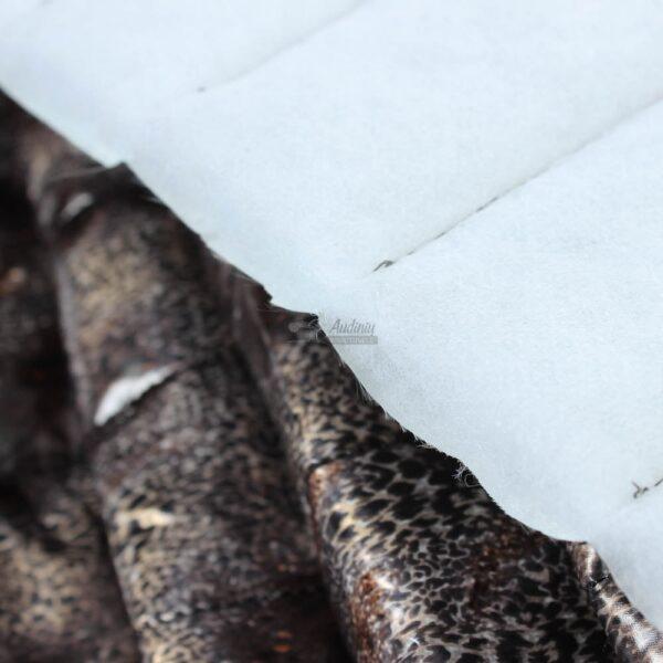 rudas tigrinis striukinis audinys pavasariui