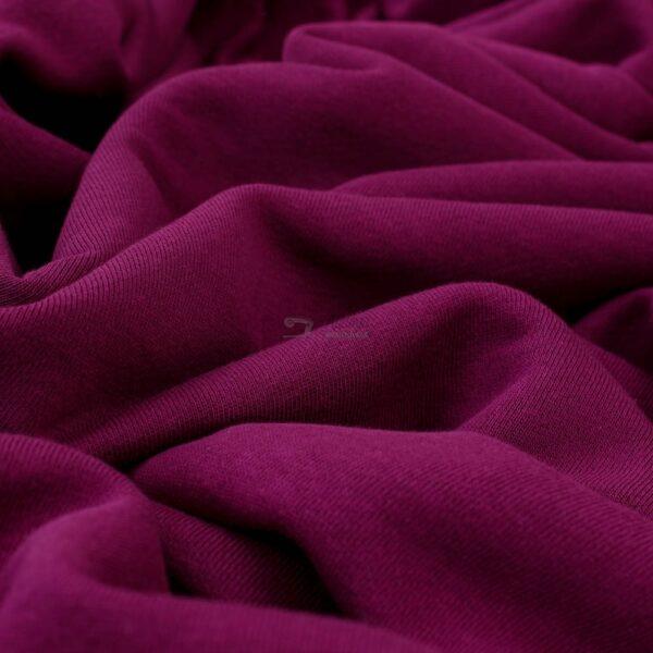 raudonai-violetines spalvos trisiulis kilpinis trikotazas