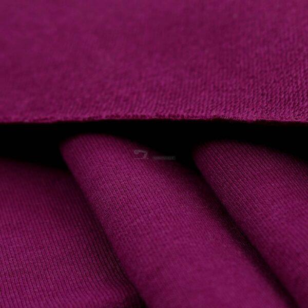 raudonai violetinis kilpinis trikotazas