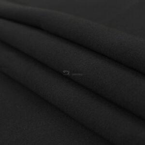 juodos spalvos kilpinis trikotazas su pukeliu