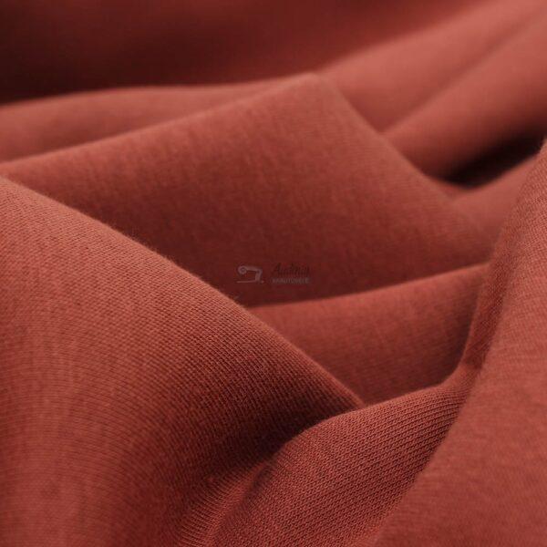 raudonos plytos kilpinis trikotazas su pukeliu
