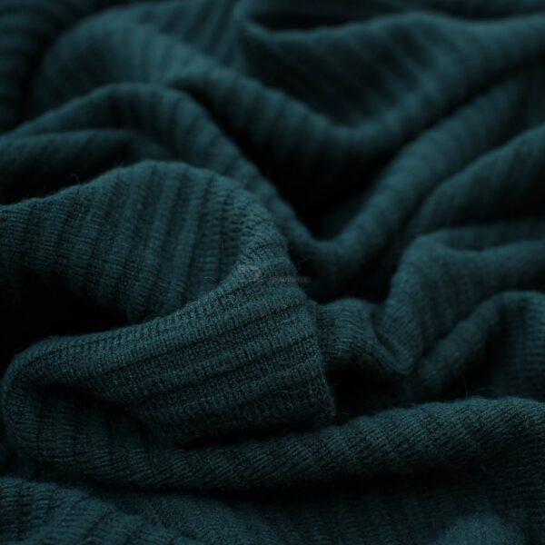smaragdo zalias viskozinis trikotazas