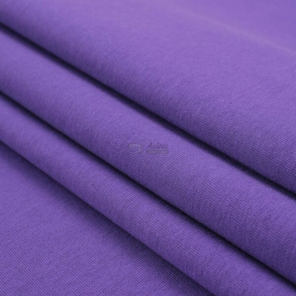sodri violetines spalvos trikotazas su pukeliu