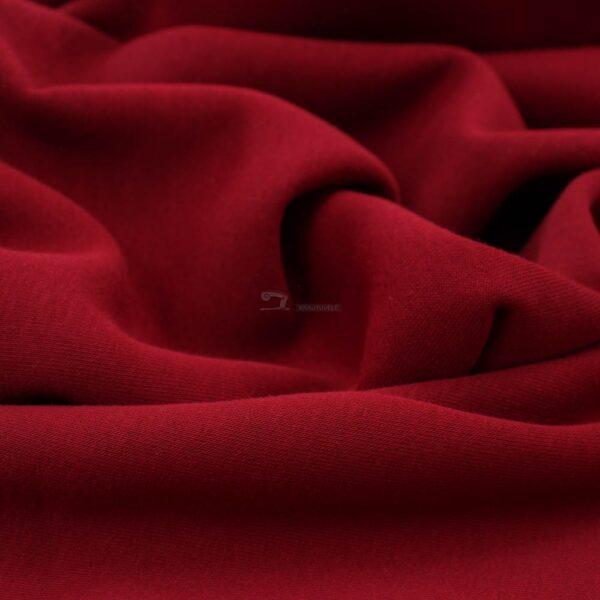 bordo kilpinis trikotazas su pukeliu