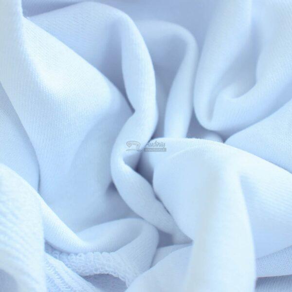 sniego baltumo trisiulis kilpinis trikotazas
