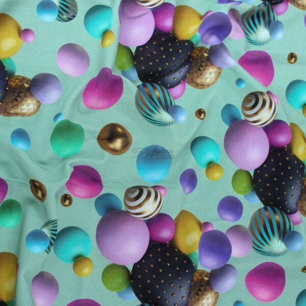 burbulai zalsvame fone