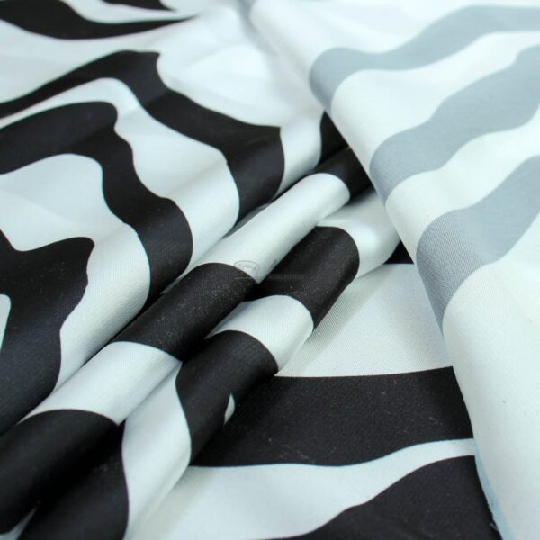 silkas zebras