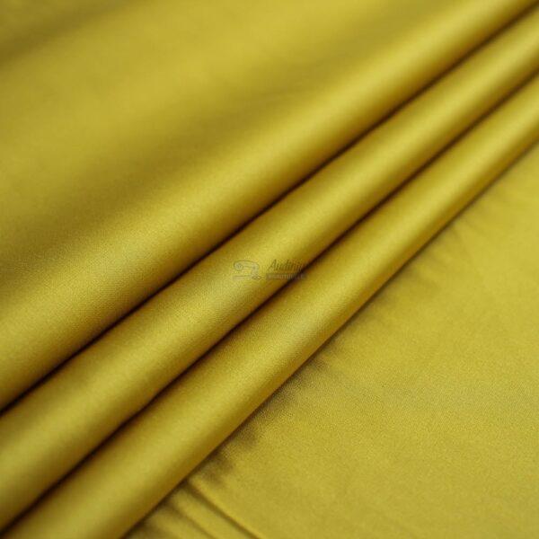 geltonas armani silkas