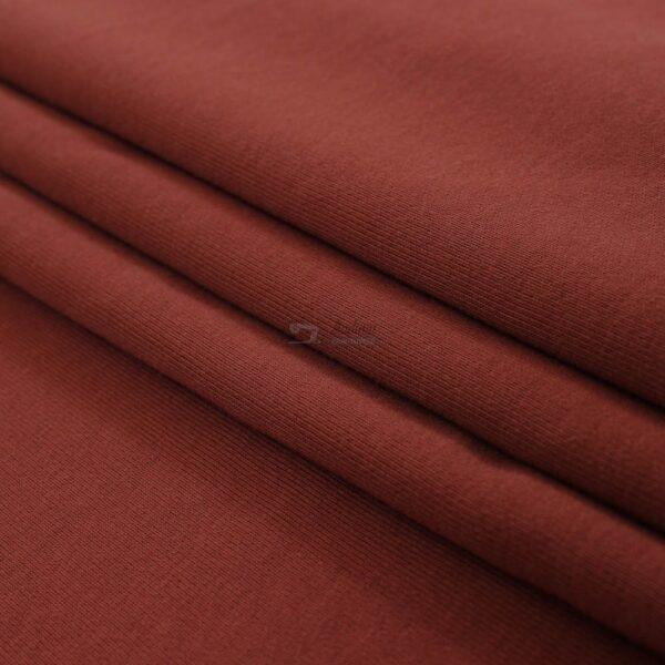raudonos plytos spalvos trisiulis kilpinis trikotazas
