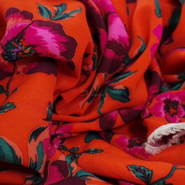 viskozinis audinys suknelems
