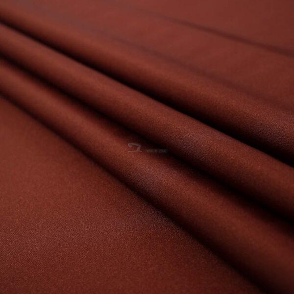 rudos spalvos likra