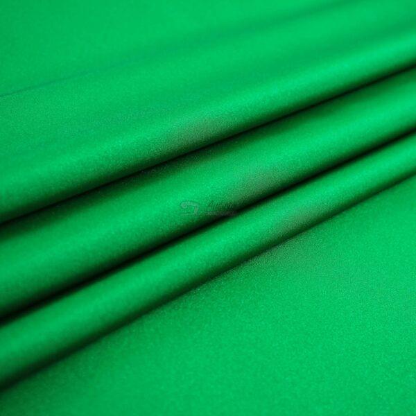 žalios spalvos likra