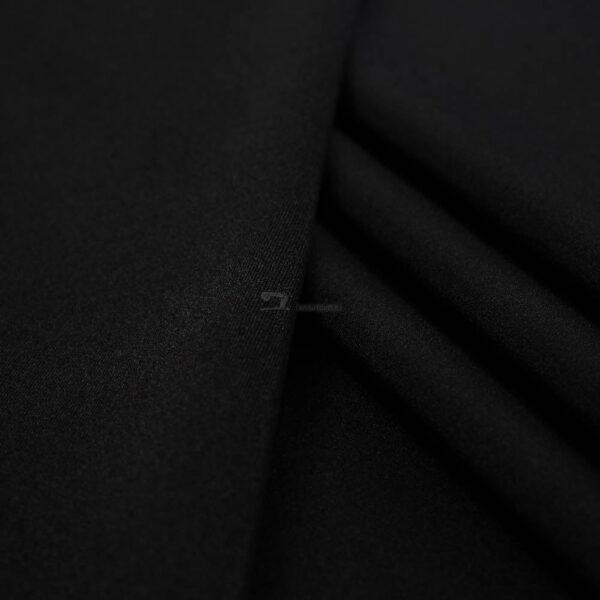 juodos spalvos likra